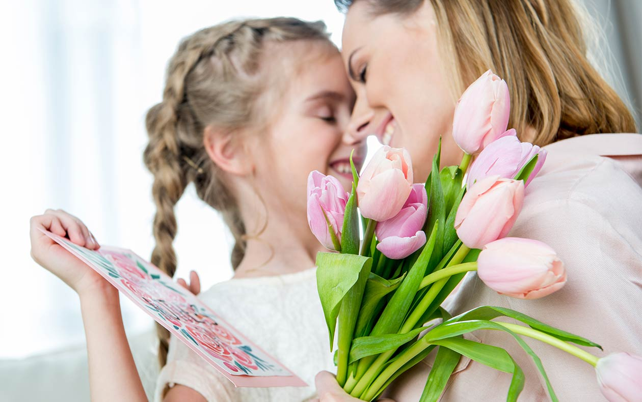 5 tips for gifts that will please every mom